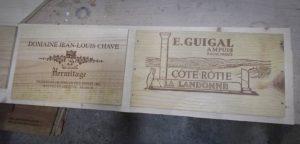 Façade de tiroirs en caisse de vin