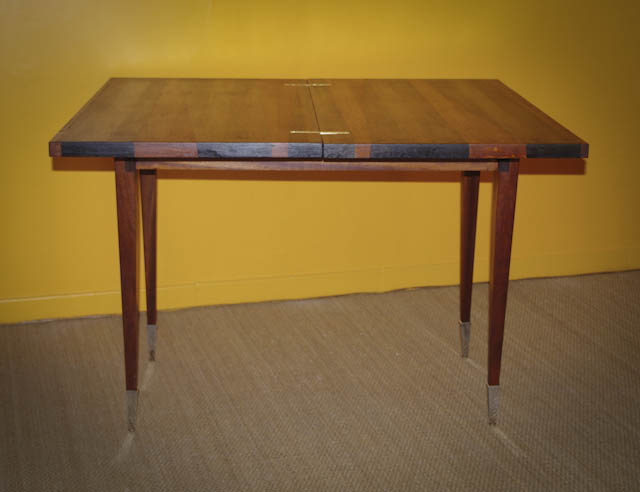 Table à abattants en plaquage de chêne, piètement en acajou, teintée, finition huilée