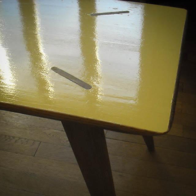 Table basse vintage réparée rénovée