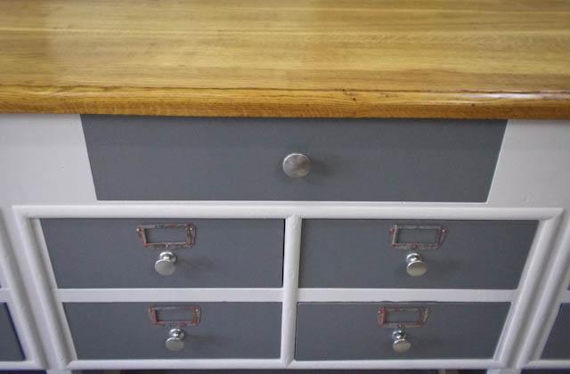 Meuble de mercerie détail tiroirs