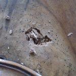 Armoire louis-Philippe - trou à réparer