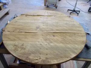 Table de vendange en cours de réparation - flipots