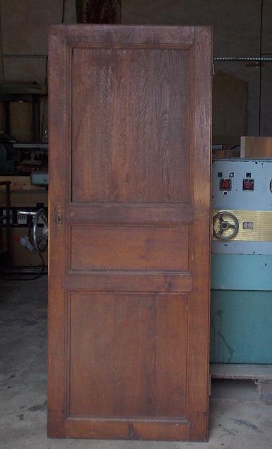 Meuble à chaussures en upcycling - porte ancienne récupérée
